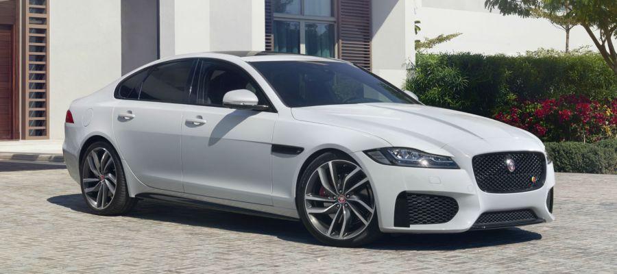 Jaguar sedán 4 puertas