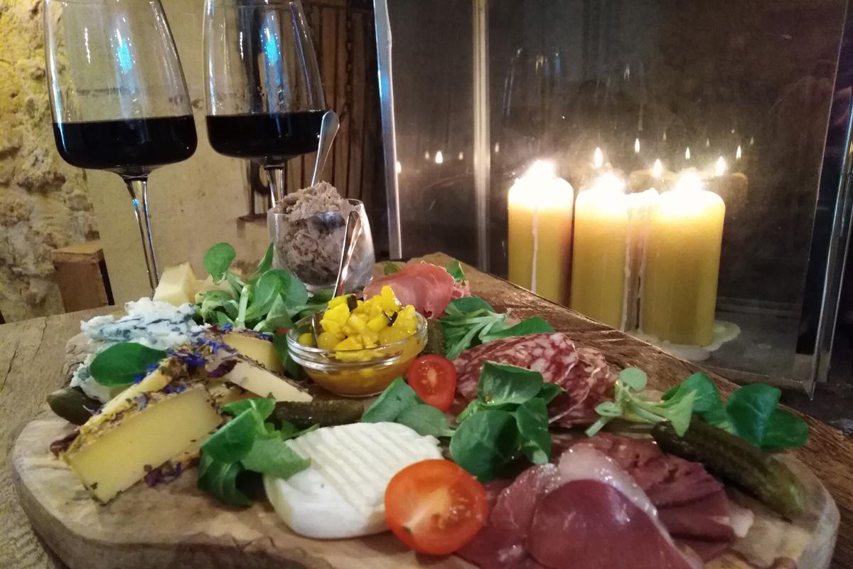 Planche moyenne et du vin