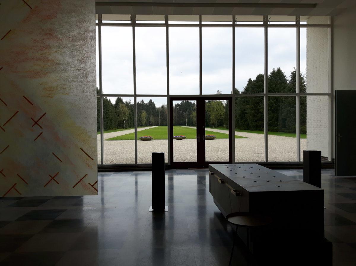 Zicht vanuit de Aula op de centrale as, Zuiderhof