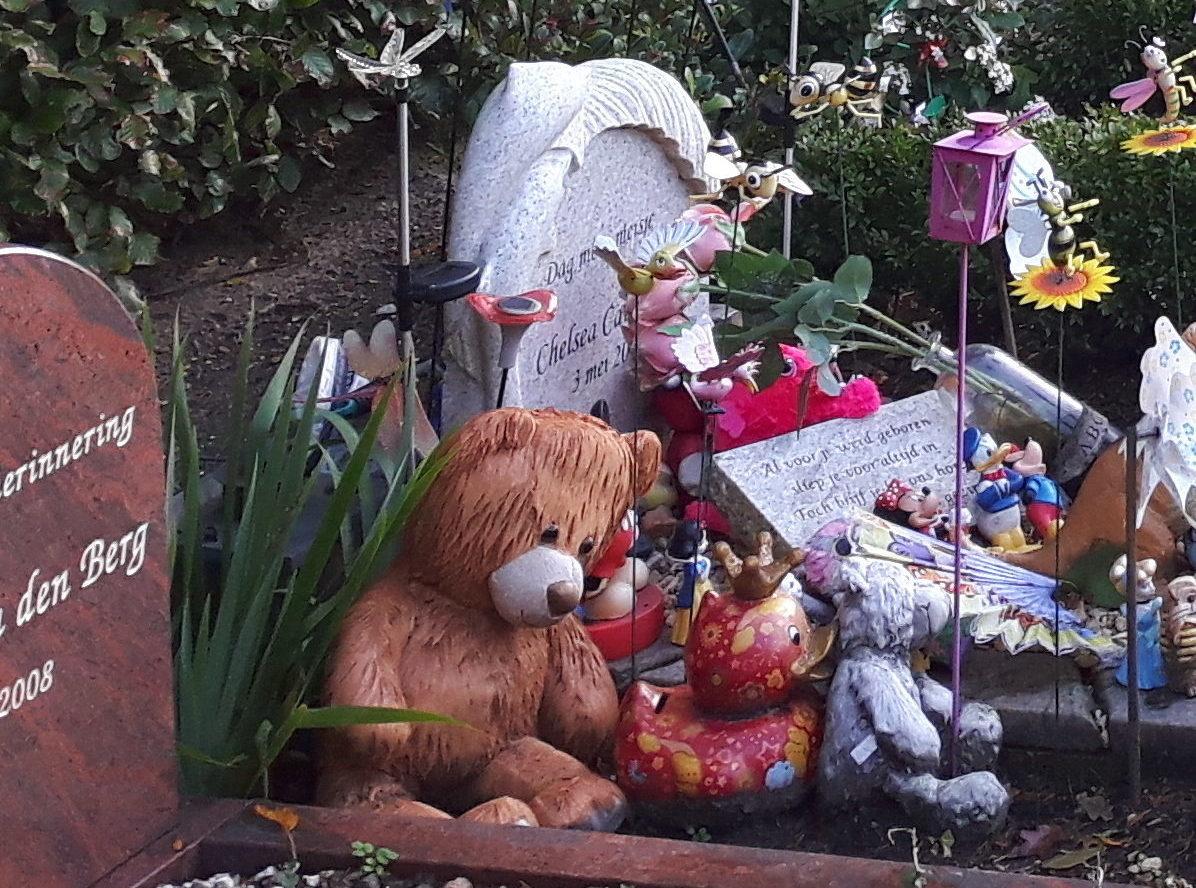 Meer aandacht voor kindergraven
