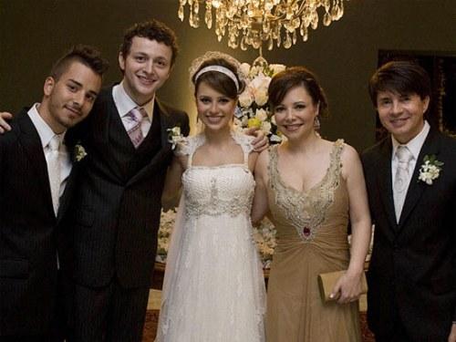 Casamento Sandy e Lucas Lima: foto com a família
