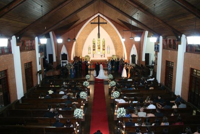 Casamento - cerimônia - foto tirada de cima na igreja - Catedral Anglicana de São Paulo - Cintia e Cauê