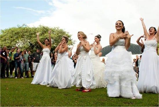 Casamento: noivas no parque