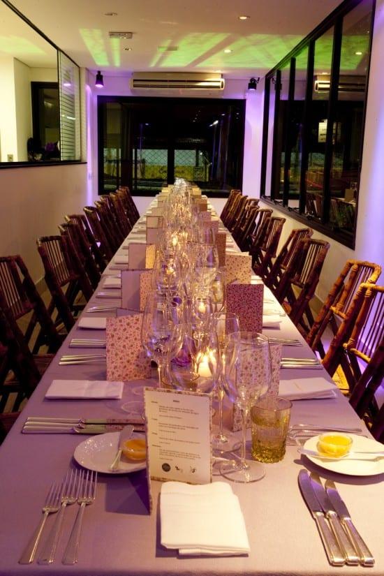 Casamento: mesa de jantar no Caza 324, para mini wedding
