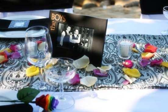 Casamento gay: decoração colorida