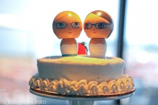 Casamento gay: topo de bolo com noivinhas lésbicas