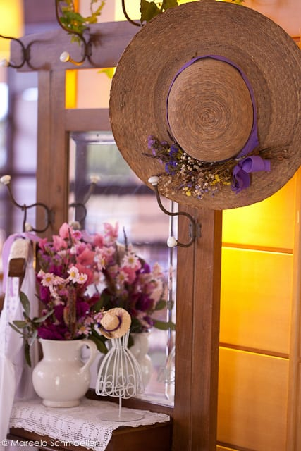Decoração de casamento retrô: chapéu e vaso - da Antique et Romantique