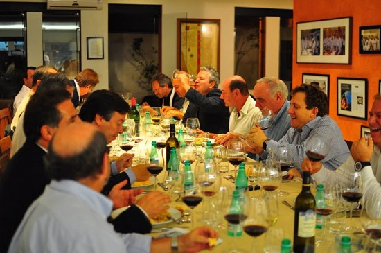 Espaco para eventos Amigos de Babette: mesa para banquete bege