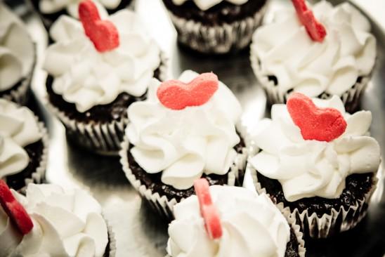 Casamento: cupcakes de chocolate com cobertura branco