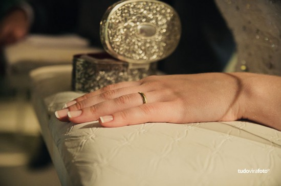 Unhas de noiva: francesinha. Foto: Tudo Vira Foto.