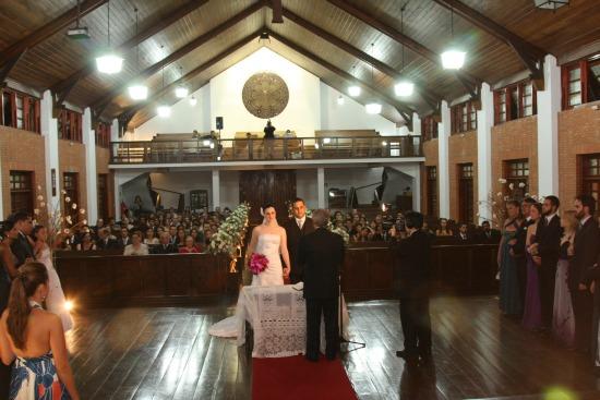 Igrejas para casamento - Catedral Anglicana de São Paulo: interior da igreja visto pelo altar. Foto: Fox Produtora.