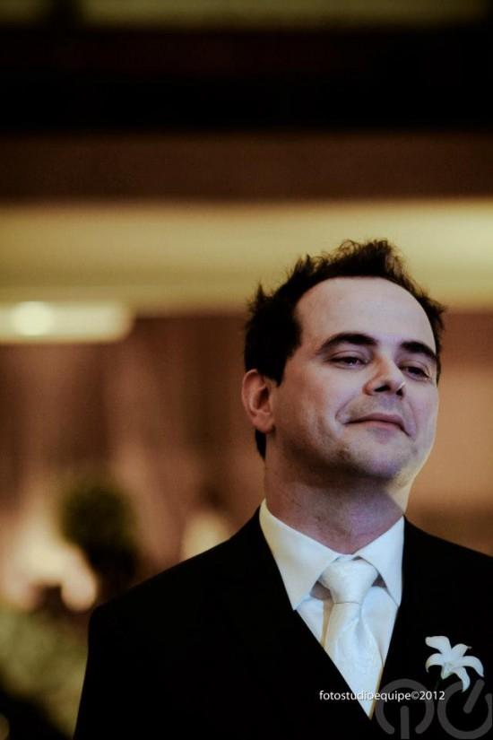 Casamento Carioca, do Pânico: noivo emocionado. Foto Studio Equipe.