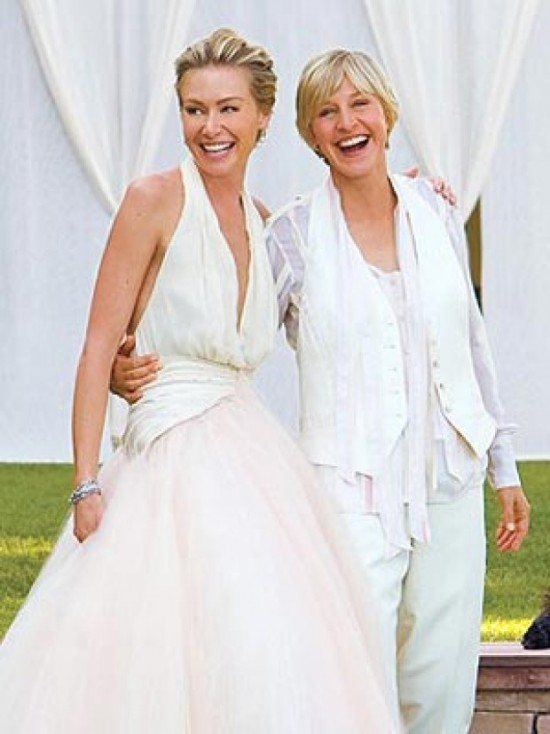 Casamento de Ellen DeGeneres e Portia de Rossi: trajes de noivas lésbicas. Foto: Lara Porzak.