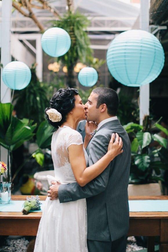 Decoração de casamento co  lanternas japonesas. Foto: Frankie e Marília.