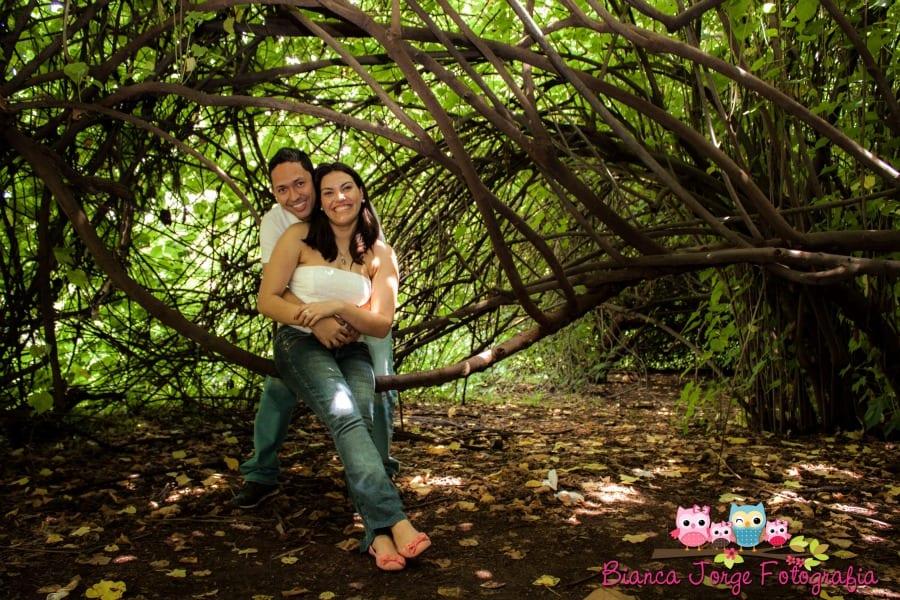 E-session (fotos de noivado): noivos no parque. Foto: Bianca Jorge Fotografia.