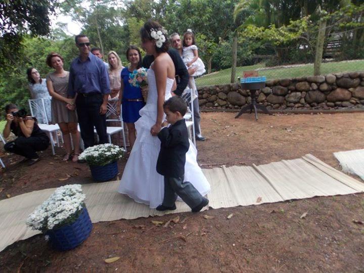 Cerimônia ao ar livre no casamento no campo de Greice e Everton.