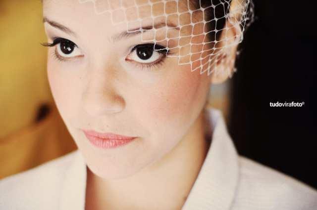 Maquiagem para noivas: estilo retrô pinup (delineador marcado). Foto: TudoViraFoto.
