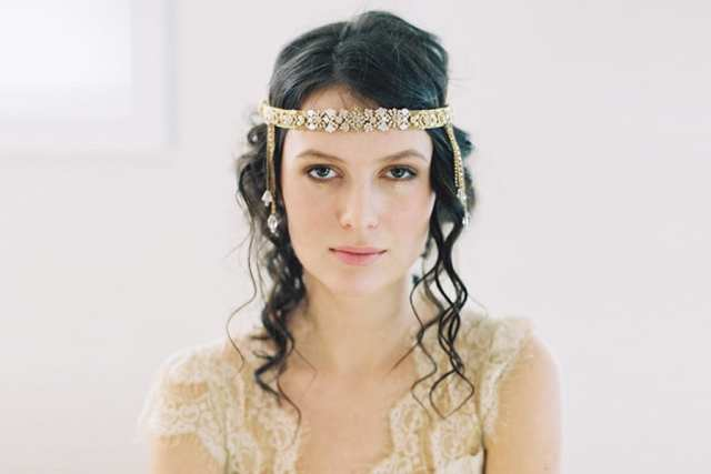 Acessório de cabelo para noiva: tiara na testa boho/hippie/anos 20/Gatsby.