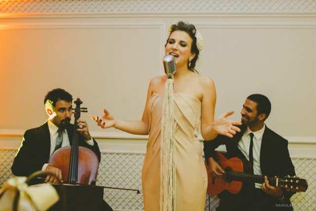 Lorenza Pozza em trio de música ao vivo de casamento no evento Diga Sim no Terraço Itália (foto Mário Lima).