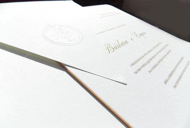 Convite de casamento clássico da Santa Festa.