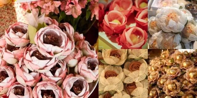 Forminhas de doces coloridas de tecido em formato de flor.