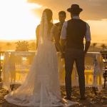 O altar no por do sol. Casamento Mateus e Marcella (da dupla Jorge e Mateus). Fotos: Michel Castro.