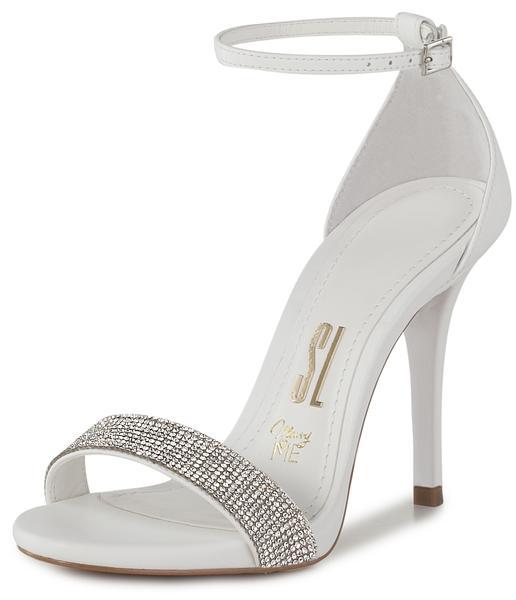 Sapato de noiva: sandália com salto fino e strass da Santa Lolla (coleção Marry Me).