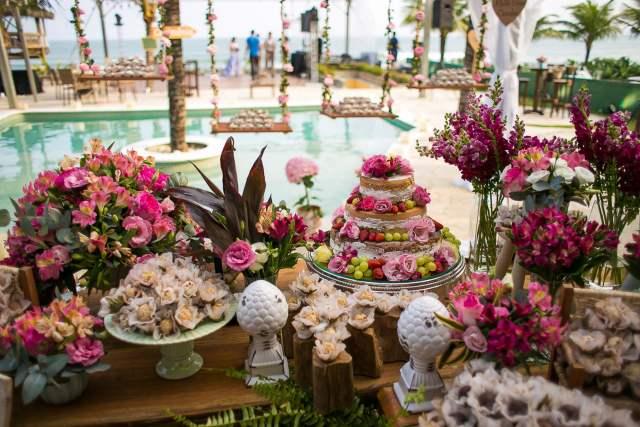Espaços para casamento na praia em Maresias: Mahalo Hotel. Foto: Eduardo Perazzoli. Veja mais locais no site Planejando Meu Casamento ( www.planejandomeucasamento.com.br ).