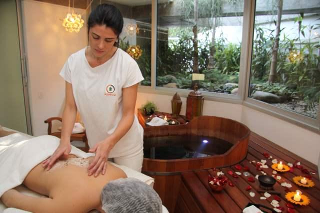Dia da Noiva no Kurma SPA: espaço zen com massagens, ofurô, penteado e maquiagem. Postado originalmente no blog Planejando Meu Casamento.