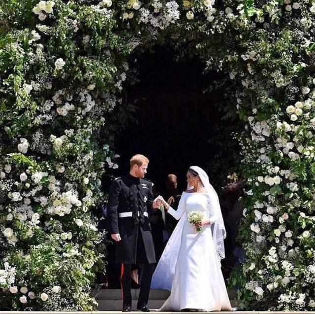 Decoração da igreja do casamento Real: Príncipe Harry e Megan Markle. Mais detalhes no blog www.planejandomeucasamento.com.br