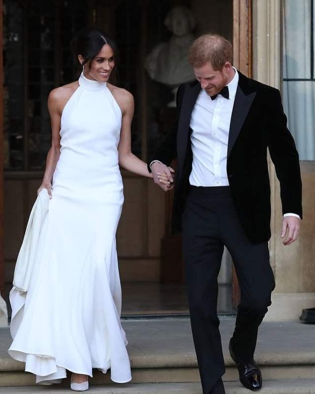 Vestido de noiva de Meghan Markle para o casamento real com Príncipe William. Mais detalhes no blog www.planejandomeucasamento.com.br