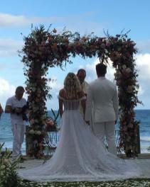 Altar do Casamento de Karina Bacchi e Amaury Nunes no Keno Resort. Foto: @nezacesar