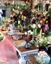 Mesa de doces e bolo do Casamento de Karina Bacchi e Amaury Nunes. Foto: @centraldanoiva