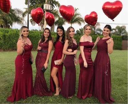 Vestidos de madrinhas de casamento em tons marsala e bordô. Foto: @katje_927. Mais dicas em www.planejandomeucasamento.com.br
