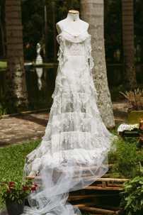 Vestido de noiva para casamento no campo: evento de noivas Day Off na Fazenda 7 Lagoas. Foto: Danilo Siqueira.