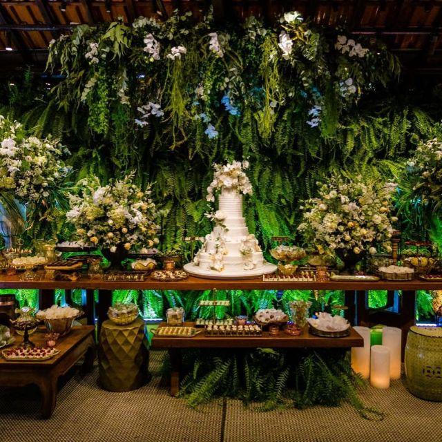 Mesa do bolo - Casamento Viviane Araújo e Guilherme Militao