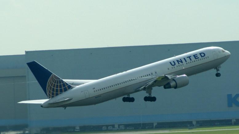 Boeing 767-300ER N647UA United Airlines