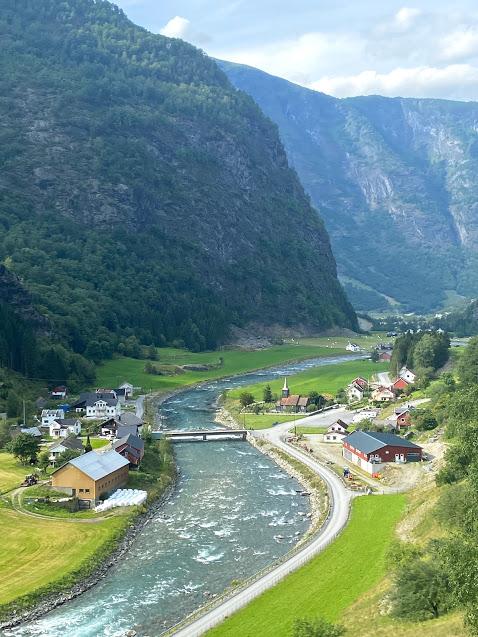 Views from the Flåmsbana
