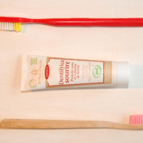 Laver ses cheveux au naturel : 3 solutions simples