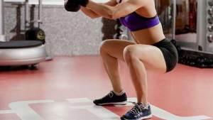 Exercícios com o peso corporal para definir as pernas