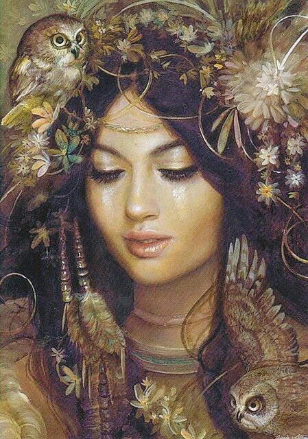 Rosto de mulher xamã e as suas corujas