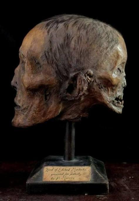 El Cráneo de Edward Mordraker