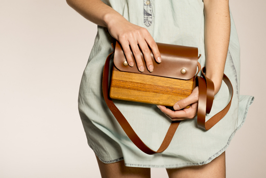 Bolsos de madera de la empresa gallega DLC Wood Projects.