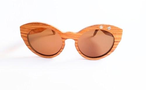 Gafas de Moler elaboradas en madera combinada con cerámica.
