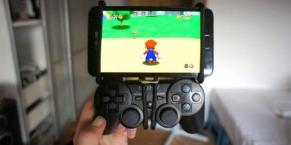 Samsung Galaxy Note con mando Playstation 3