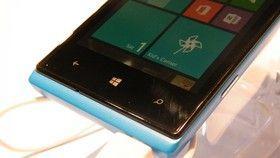Huawei Ascend W1. Detalle unión pantalla-chasis