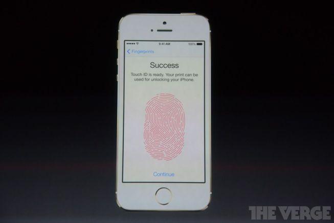 Pantalla de bloqueo con lector de huellas en el iPhone 5S