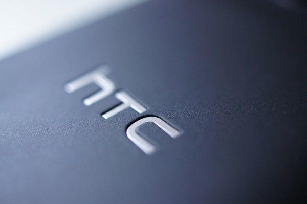 Un HTC One M8 de plástico y más barato está en camino