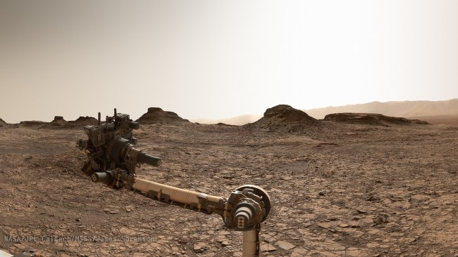Curiosity near Murray Buttes, on first approach. Panoramic image processing by James Sorenson. Image Credit: NASA/JPL-Caltech/MSSS/James Sorenson