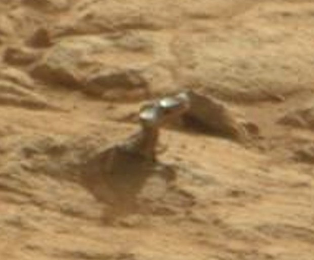 "Close-up view of the ""hammerhead"" object. Credit: NASA / JPL-Caltech"